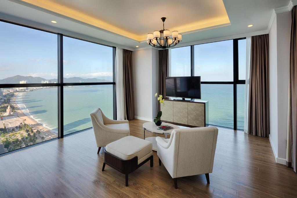 Grand Studio Ocean View (BB)