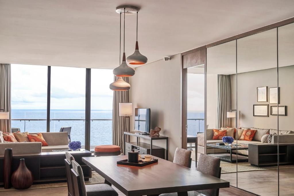2 Bedroom Long Beach Residence
