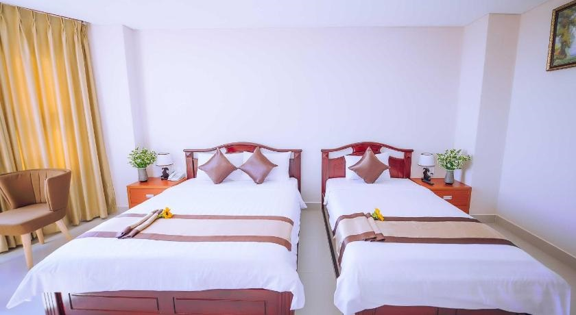 Superior (1 Double bed + 1 Twin bed)